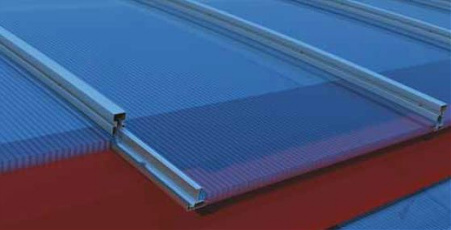 Cubierta continua transparente con perfil soporto de aluminio