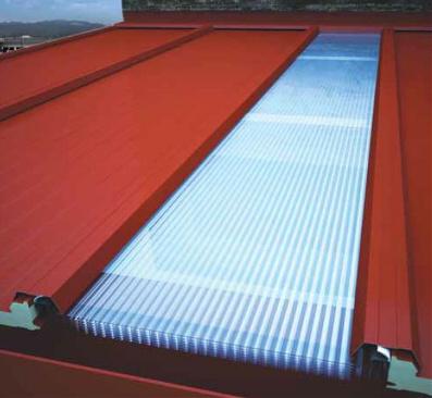 Lucernario Cumbrera canalón con los principales tipos de paneles para cubierta