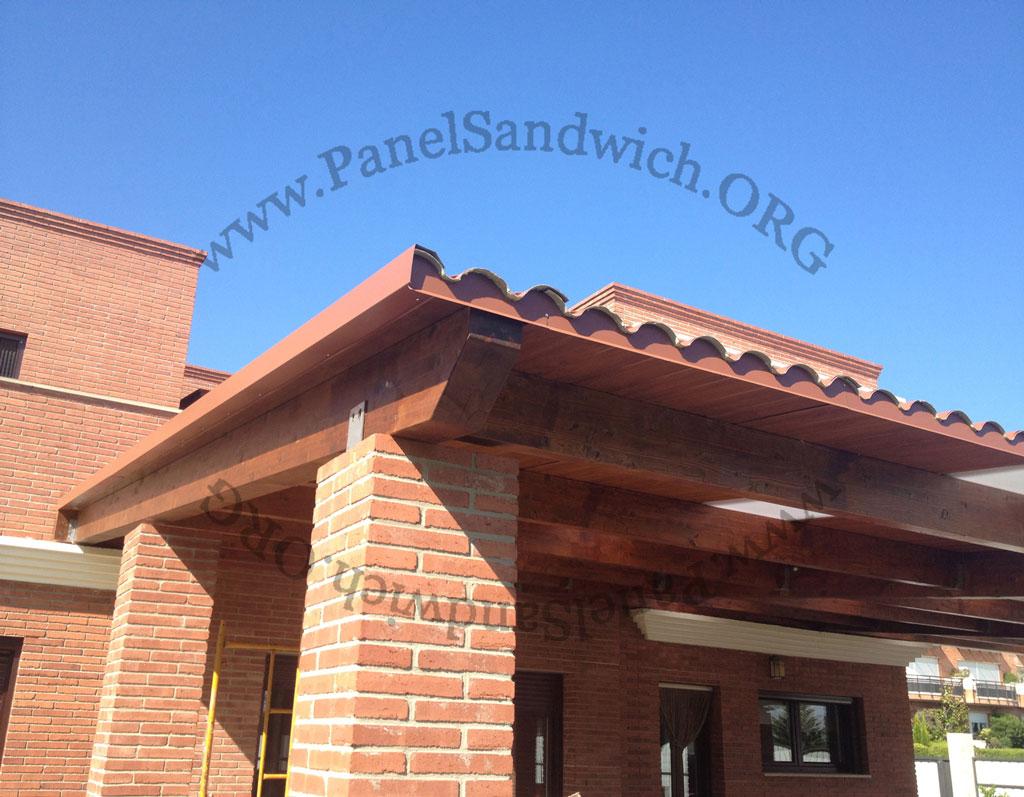 Panel s ndwich teja acabado madera for Cubiertas de panel sandwich imitacion teja